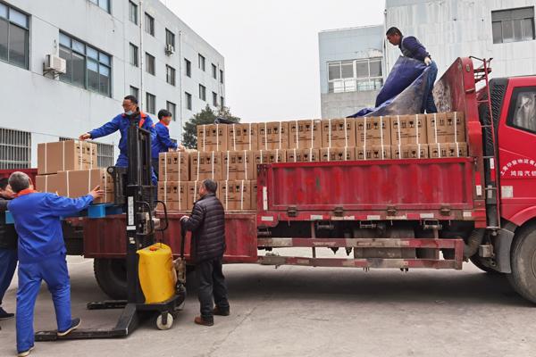 卢湘仪出口白俄罗斯一批次136台离心机,填补当地基础医疗设备空缺
